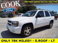 * LOW MILES!! * - SUN ROOF - CHARCOAL CLOTH SEATS -