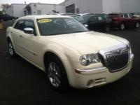 2009 Chrysler 300 4dr Car 300C Our Location is: