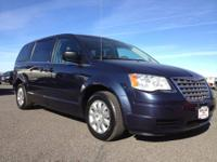 2009 Chrysler Town & Country Mini-van, Passenger