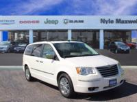 2009 CHRYSLER TOWN & COUNTRY LIMITED IN STONE WHITE