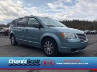 PREMIUM & KEY FEATURES ON THIS 2009 Chrysler Town &