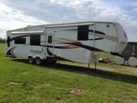 2009 Coachman Wyoming (VT) - $23,300 Length: 38' 5""
