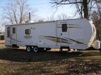 2009 Coachmen Captiva Ultra-Lite 280 RLS in great shape
