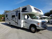 2009 32' Coachmen Freedom Express 31SS with 1 slide out
