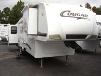 2009 COUGER 316QBS Where Luxury and Lightweight Meet