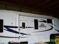 2009 Kingston Crossroads, Length: 31.6 ft, 3 Slides,