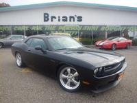 ONE-OWNER, CLEAN CARFAX, X/TRA KEYS, 5.7L V8 HEMI