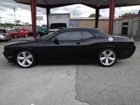 2009 DODGE CHALLENGER SRT8 LIKE NEW ONLY 4600 ORIGINAL