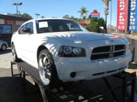 2009 Dodge Charger RWD sedan 2.7 l 6cyl. LLENO DE