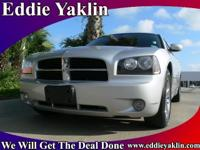 2009 Dodge Charger 4dr Car R/T Our Location is: Eddie