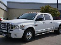 Nav System, Heated Leather Seats, Moonroof, Hitch,