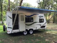 Zoom Travel Trailer by Dutchmen RV w/Rear Corner Bunk