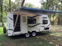 Zoom Travel Trailer by Dutchmen RV w/Slideout Dbl.