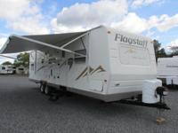 2009 Flagstaff by Forest River model 831QBSS. This