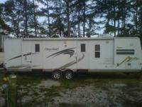 2009 Flagstaff Lite Camper for sale. 32ft Bumper Pull,