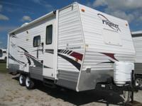 This 2009 travel trailer is 24' and weighs 4869.
