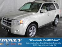 EPA 26 MPG Hwy/18 MPG City! Limited trim. Excellent