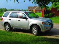 One owner, non-smoker! 2009 Ford Escape XLT AWD V6 with