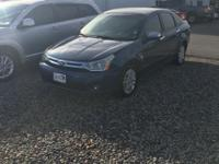 Priced below KBB Fair Purchase Price! Blue 2009 Ford
