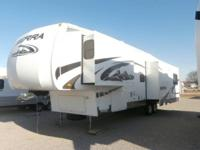 2009 FOREST RIVER SIERRA - 38' & 3 SLIDES 5th WHEEL -