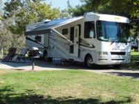 Recreational Vehicle Kind: Class A. Year: 2009. Make: 4
