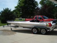 Boat Type: Power What Type: Bass Boat Year: 2009 Make: