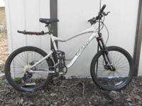 We are selling our 2009 Giant Trance X2 (Medium Frame).
