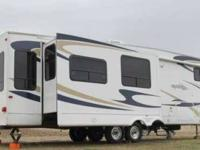 2009 Gulf Stream Mako 35FSBT 5th Wheel This 35 foot RV