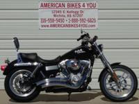 This 2009 Dyna Super Glide features Vance & Hines