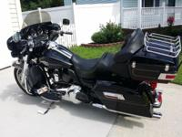 For sale my 2009 Harley Davidson Ultra FLHTCU. 33270