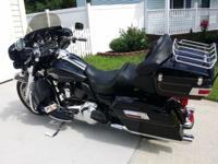 For sale my 2009 Harley Davidson Ultra FLHTCU. 33270