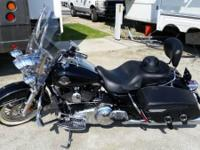 2009 Harley Davidson FLHRC Road King Classic. Great