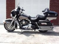 2009 Harley Davidson FLHTC Electra Glide Classic. One
