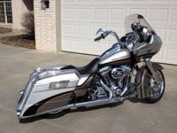 2009 Harley Davidson FLTRSE3 CVO Road Glide. 2009 CVO