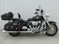 2009 Harley-Davidson Road King Classic >> > > 2009