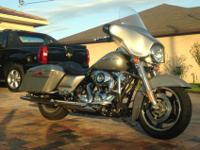 selling my street glide in excellent condition. it has