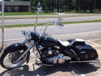 Beautiful clean custom 2009 accident free Harley Road