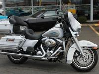 HERE IS A 2009 HARLEY DAVIDSON ULTRA CLASSIC ELECTA