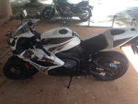 2009 Honda CBR 600rr restricted edition white phoenix.