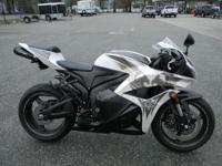 Motorcycles Sport 5047 PSN . 2009 Honda CBR600RR WHITE