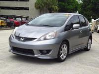 This 2009 Honda Fit Sport is a perfect student or