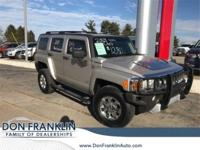 Boulder Gray Metallic 2009 Hummer H3 4WD 4-Speed