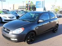 Clean CARFAX.2009 Hyundai Accent SE Gray 1.6L I4 MPI