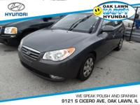 *This 2009 Hyundai  Elantra GLS has a sharp Carbon Gray