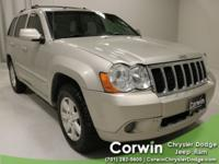 Clean CARFAX. Sunroof / Moonroof/ Roof, AWD / 4x4 /