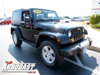 EVERYBODY LOVES A JEEP! Clean CARFAX Report! 4X4!