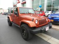 New Arrival! CarFax 1-Owner, -Navigation -4X4 4WD -V6