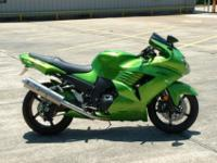 2009 Kawasaki Ninja ZX-14 Candy Lime Green 1,762