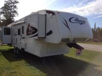 Camp in style with this lightweight Keystone Cougar 316