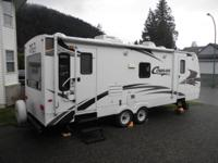I am selling a 2009 Cougar travel trailer in excellent
